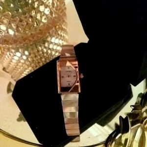 Mother of Peal futura analog ladies watch